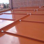 Diseño e instalación de techos de panel de sandwich móviles y fijos en Madrid.